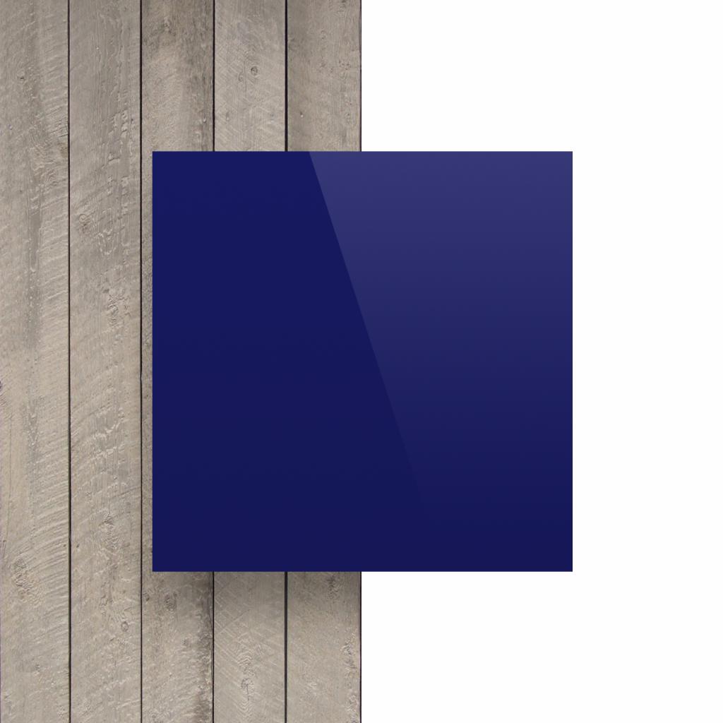 Plaque avec lettres bleu nocturne devant