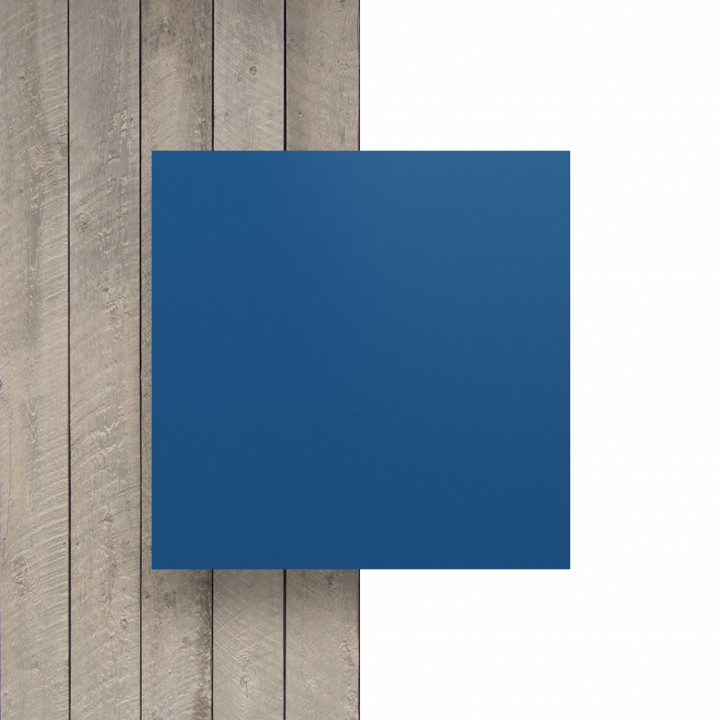 Devant plaque de lettres en plexiglass bleu mat